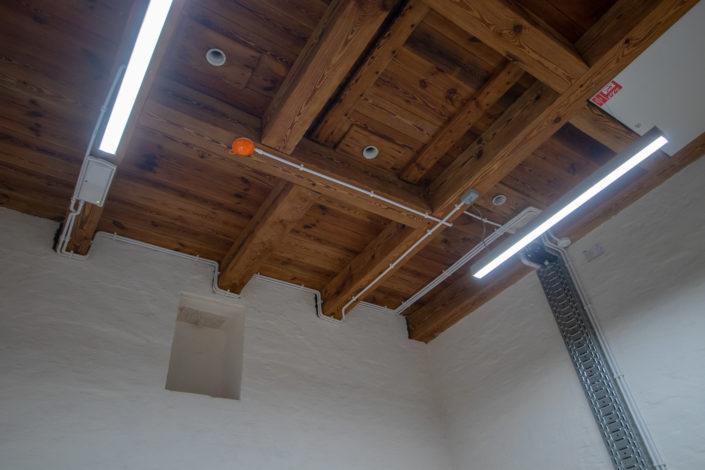 strop-na-klatce-schodowej